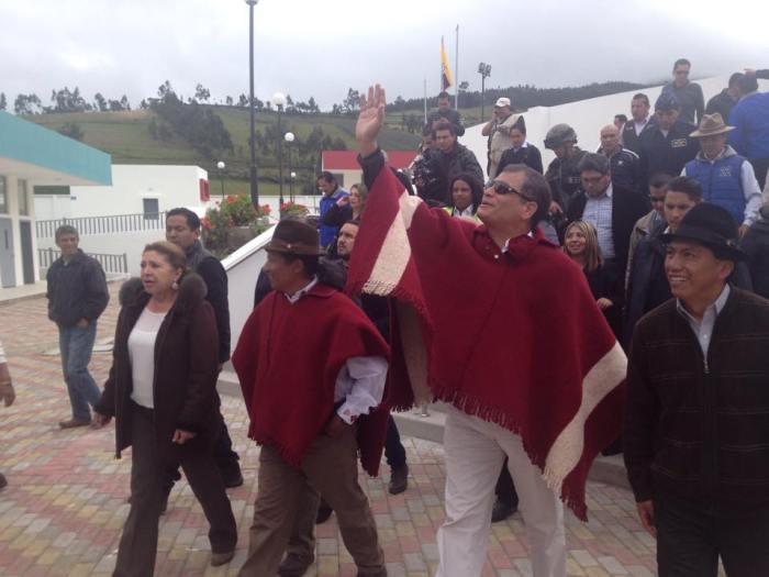 Foto del 14 abril 2015 tomada del Facebook del Alcalde Guillermo Churuchumbi