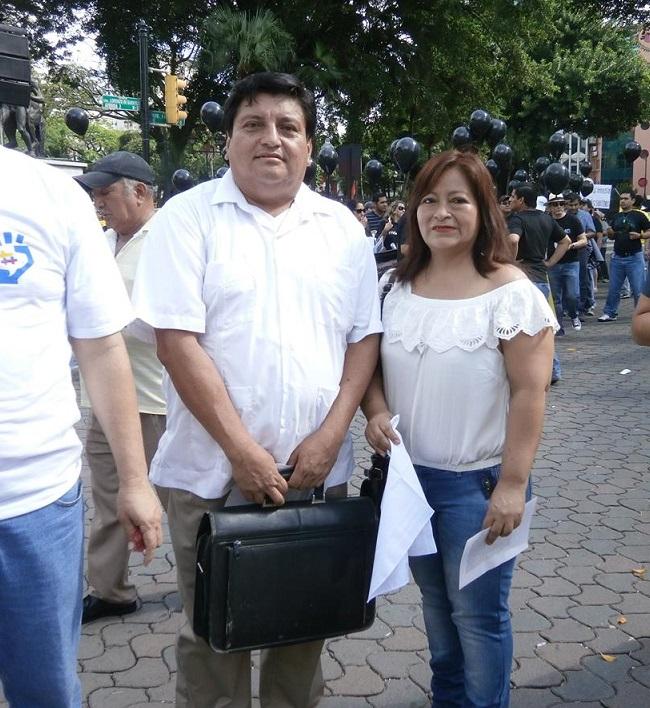Con mi esposa Teresita Lavayen Villón