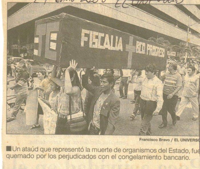 Marcha hacia el Palacio de Justicia 27 junio 2000 El Universo