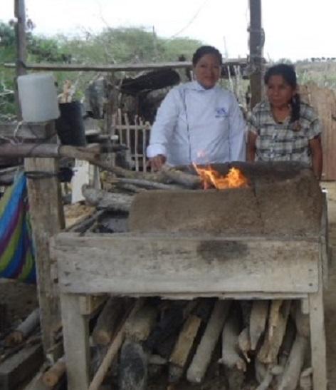 Fogón de la familia Orrala, en la comuna Río Verde, barrio La Buena Fuente